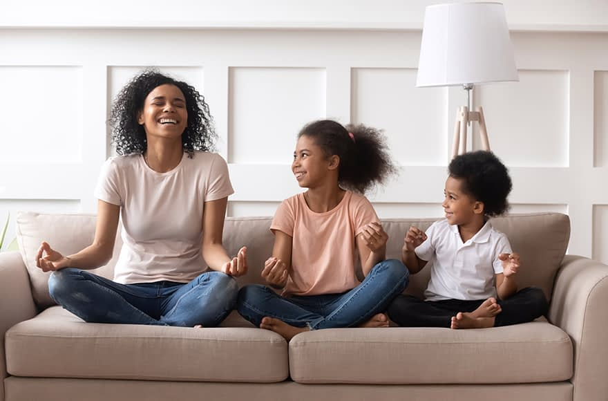 Child Behavior Clinic Mom Practicing Mindfulness With Her Kids